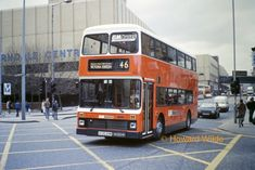 Taken when new into service. Manchester Buses, Manchester United, Derbyshire, Transportation, Coaching, England, Dates, Trains, History