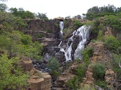 Ncandu Falls is a waterfall in the Ncandu River in Northern KwaZulu-Natal, in South Africa close to the town of Newcastle, KwaZulu-Natal. Kwazulu Natal, Newcastle, South Africa, Wildlife, River, Landscape, World, Places, Waterfalls
