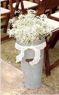 Huge galvanised buckets filled with baby's breath gypsophila for wedding ceremony Aisle Decorations #wedding #ceremony