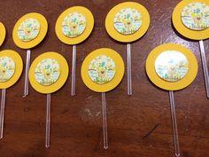 Tags para doces de mesa: Passarinho Amarelo