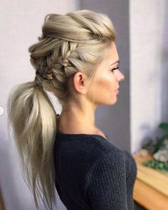 DIY Ponytail Ideas You're Totally Going to Want to 2019 Adorable Ponytail Hairstyles; Classic Ponytail For Long Hair; Dutch Braids To A High Pony;High Wavy Pony For Shoulder Length Hair New Braided Hairstyles, Pretty Hairstyles, Easy Hairstyles, Hairstyle Ideas, Faux Hawk Hairstyles, Summer Hairstyles, Braided Updo, Braids For Curly Hair, Rocker Hairstyles