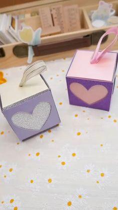 Cool Paper Crafts, Paper Crafts Origami, Diy Crafts For Gifts, Diy Home Crafts, Diy Gifts Videos, Diy Gift Box, Making Gift Boxes, Paper Gift Box, Diy Box