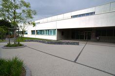 """Groupe scolaire Guy de Maupassant - Divonne-les-Bains - Exposition """"Prises de vues points de vue : 25 ans d'architecture publique dans l'Ain"""""""