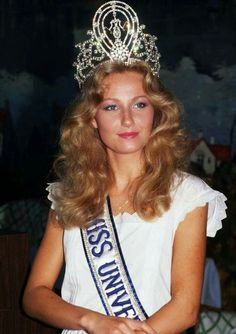 Yvonne Agneta Ryding - Sweden - Miss Universe 1984 Pageant Headshots, Swedish Girls, Beauty And The Best, Miss Usa, Miss America, Miss World, Beauty Pageant, Famous Women, Beauty Queens