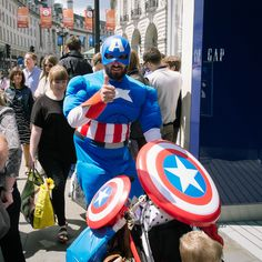 Piccadilly Circus, London 2016 London 2016, Piccadilly Circus, Captain America, Superhero, Photography, Fictional Characters, Photograph, Fotografie, Photoshoot
