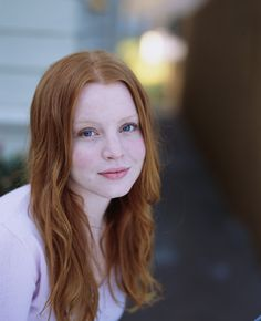 Lauren Ambrose, 6 Feet Under, Red Hair Blue Eyes, Stunning Redhead, Red Hair Woman, Girls With Red Hair, Simply Red, Pale Skin, Celebrity Pictures