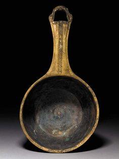 A roman bronze casserole - circa century BC. Ancient Roman Food, Ancient Rome, Ancient History, Roman Artifacts, Ancient Artifacts, Roman History, Pottery Sculpture, 1st Century, Roman Empire