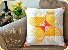 Daffodil Days Throw Pillow Tutorial