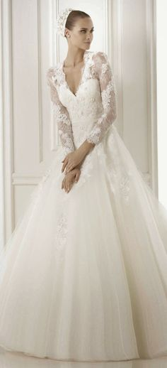 1000+ images about Robes de mariée on Pinterest  Bridal Collection ...