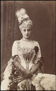 Kate Vaughan as Lady Teazle in School for Scandal at the Vaudeville Theatre, 1886.