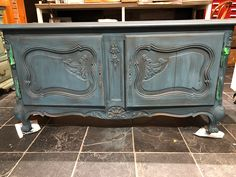Here is where we are at with the custom paint on our customers china cabinet: One coat of Aubusson Chalk Paint™, a Graphite wash, then distressed.... next comes wax. #chalkpaint #anniesloan #aubusson #graphite #custompaint #wewillpaintforyou #create #upcycle #langley #createabeautifullife #painttransformations #painteverything #langleystockist #diy #nosanding