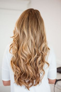 A tutorial for soft, loose curls. Can be used for any hair type but is here seen with really long, thick hair.