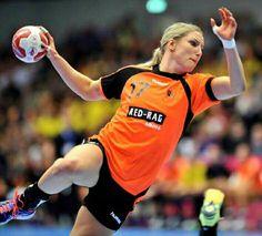 Nycke Groot - Handball Women's Handball, Handball Players, Just A Game, Sport Motivation, Extreme Sports, Female Athletes, Sports Women, Soccer, Poses