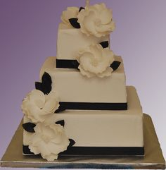 Simple and elegant cake with buttercream frosting.