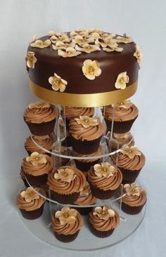 Chocolate Wedding Cakes With Flowers   chocolate and peach flower cake and cupcakes [Résolution de lécran]