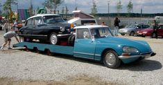 Citroen DS Transporter with DS on the back