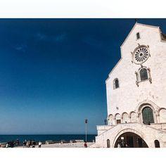 #weekend   #giorno #tre  #andiamo a #ballare in #puglia   #trani la #cattedrale sul #mare