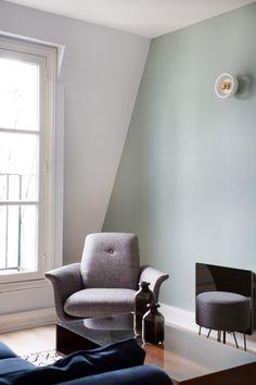 Un salon vert amande - Makeda Warwick Living Room Decor On A Budget, Living Room Colors, Bedroom Wall Designs, Home Decor Bedroom, Room Interior, Interior Design, Room Paint, Design Salon, Furniture Collection