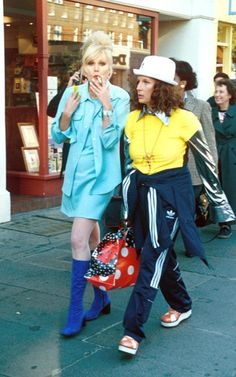 The best Ab Fab outfits as worn by Patsy and Eddie. Zombie Couple Costume, 90s Costume, Zombie Costumes, Diy Costumes, Homemade Halloween Costumes, Pop Culture Halloween Costume, Halloween Couples, Group Halloween, Diy Halloween