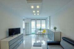 1 500 zł: Do wynajęcia kawalerka urządzona w minimalistycznym i nowoczesnym stylu. Mieszkanie jest po generalnym remoncie. Całe wyposażenie jest nowe, więc wprowadzisz się do zupełnie świeżego mieszkania.  Id...