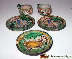 Juegos de cafe , ceramica toledana con representaciones de animales. Siglo XX D.M.G