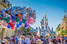 Don't you just love seeing the balloon bundles as your walk up Main Street at the Magic Kingdom or Disneyland?
