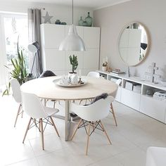 35 The Best Organic Dining Room Design Ideas - Page 10 of 35 - VimDecor Ikea Dining Room, Dining Room Lighting, Dining Room Design, Ikea Round Dining Table, Eames Dining, Round Tables, Design Kitchen, Dining Chairs, Home Interior
