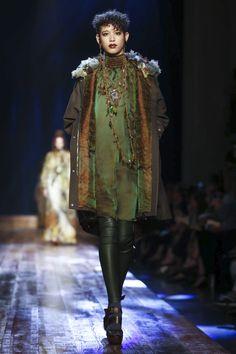 Jean-Paul-Gaultier-Couture-FW16-Paris-6508-1467818108-bigthumb.jpg