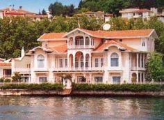 Old nice summer residences beside Bosphorus