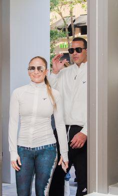 Jennifer Lopez & Alex Rodriguez: J-Rod's most fashionable couple looks Jenifer Lopes, Alex Rodriquez, J Lopez, Kim Kardashian Show, Button Bracelet, Hot Couples, Fashion Couple, Photos Of Women, Beautiful Family