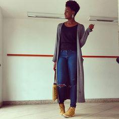 Look completo ✌  Calça : @voudemarisa Maxi Cardigan : @opcaojeans Bota : @sonhodospesoficial Blusa: @caiz_store  #ootd #look #fashion