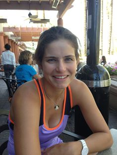 Julia Goerges Finally here is my first picture from indian wells and for sure not the last one Tennis Stars, Wta Tennis, Eugenie Bouchard, Professional Tennis Players, Tennis Players Female, Good Looking Women, Best Friend Pictures, Maria Sharapova, Girl Poses