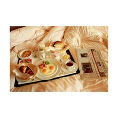 Завтрак в постель для любимых ❤ liked on Polyvore featuring food, pictures…