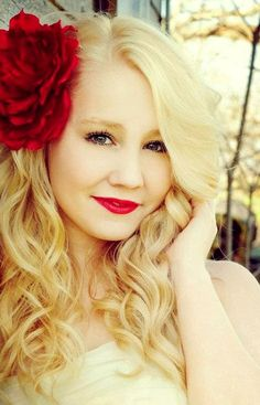 Raelynn from The Voice
