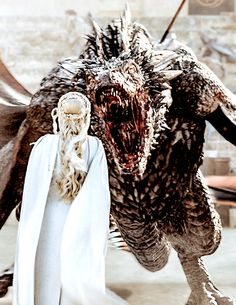Game of Thrones - Daenerys Targaryen and Drogon