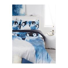 Vandyck Penguins duvet cover set ($135) ❤ liked on Polyvore featuring home, bed & bath, bedding, duvet covers, cotton bedding, european bedding, queen sham, queen duvet set and european pillow shams