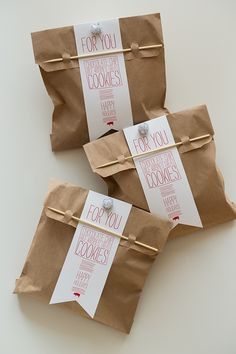 DIY Cookie-Bags - Includes Rice Krispie Chocolate Chip | http://giftsforyourbeloved.blogspot.com