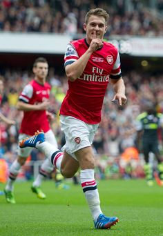 Aaron Ramsey scores early in the game against Stoke City