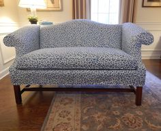 Pam Morris Sews: Cheetah Loveseat slip cover instead of reupholstery Slipcovers, Creative Design, Diy Furniture, New Look, Love Seat, Upholstery, Design Inspiration, Couch, Sassy