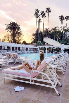 Pool time at Beverly Hills Hotel | LA http://www.ohhcouture.com/2017/05/palm-springs-la-17/ #ohhcouture #leoniehanne