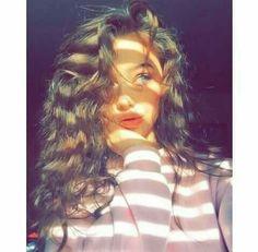 Teenage Girl Photography, Portrait Photography Poses, Photography Poses Women, Selfie Photography Ideas, Cute Girl Poses, Girl Photo Poses, Cute Girl Photo, Beautiful Girl Photo, Girl Pictures