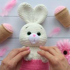 Amigurumi animal pattern, cute mouse toys crochet pattern with pictures like crochet tutorial – Page 673921531725299278 – BuzzTMZ Crochet Bunny Pattern, Easter Crochet Patterns, Crochet Rabbit, Crochet Teddy, Crochet Dolls, Crochet Mouse, Diy Crafts Crochet, Crochet Disney, Crochet Handbags