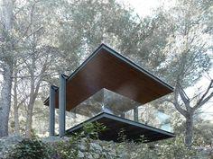 Architect Philipp Bretschneider of H5 Architekten, has designed a pavilion that overlooks the ocean off the island of Mallorca, Spain.