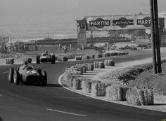Phill Hill (Nº4) Mike Hawthorn (Nº6) - Ferrari Dino 246 - GP de Marruecos 1958 (Ain Diab)