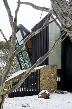 Under the Moonlight House on Mount Hotham, Australia by Giovanni D'Ambrosio Architecture Modern Architecture House, Residential Architecture, Interior Architecture, Interior Design, Australia House, Slanted Walls, Metal Building Homes, Mountain Homes, Metal Buildings