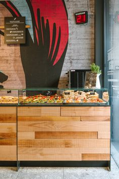 EatMeGo 03 6085 Cafe Shop Design, Cafe Interior Design, Store Design, Interior Modern, Fruit And Veg Shop, Juice Bar Design, Small Restaurant Design, Bakery Decor, Vegetable Shop