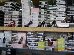 Sute de modele de pantofi aşteptă doamnele la miniPrix Otopeni!
