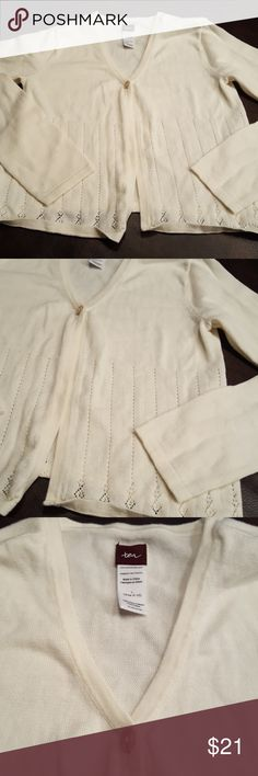 JUST IN🔶️GIRLS Tea Collection Cream Cardigan Worn once. Great for dresses. Sz L or 8/10. Cream knit open cardigan with one button. Smoke free, pet free home. Tea Collection Shirts & Tops Sweaters