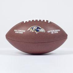 Ballon NFL Baltimore Ravens   http://touchdownshop.fr/taille-officielle/435-ballon-nfl-baltimore-ravens.html