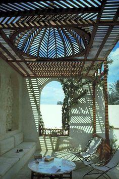 Hassan Fathy, Akil Sami House, Dahshur, Egypt. I love the shape of the beautiful cover!